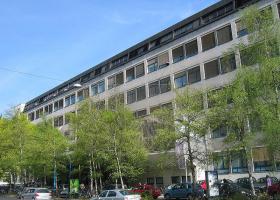 Aškerčeva (foto: sl.wikipedia.org) 29. april 1960 - Sprejet je bil Akt o ustanovitvi Inštituta za biologijo na Oddelku za biologijo Biotehniške fakultete Univerze v Ljubljani, v prostorih na Aškerčevi 12 v Ljubljani.(foto: sl.wikipedia.org)
