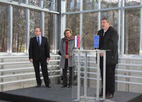 Dr. Tomaž Boh, državni sekretar na MIZŠ, prof. dr. Tamara Lah Turnšek, direktorica NIB, in prof. dr. Davorin Gazvoda, dekan Biotehniške fakultete