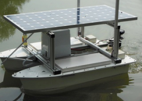 Robotic vessel for the detection and limitation of toxic cyanobacteria. (photo: A. Kump)