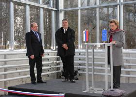 Dr. Tomaž Boh, državni sekretar na MIZŠ, prof. dr. Davorin Gazvoda, dekan Biotehniške fakultete, in prof. dr. Tamara Lah Turnšek, direktorica NIB