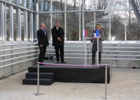 Dr. Tomaž Boh, državni sekretar na MIZŠ, prof. dr. Davorin Gazvoda, dekan Biotehniške fakultete in prof. dr. Tamara Lah Turnšek, direktorica NIB