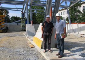 Odgovorni projektant, Boris Volk, arhitekt, in gradbeni nadzornik, Janez Sitar, univ.dipl.inž.grad.