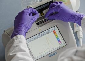 Delo v laboratoriju. (Foto: FITO)